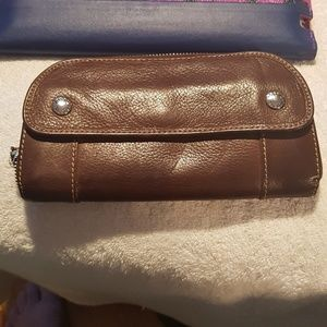 NWOT Fossil leather wallet zip around